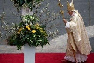Папа Римський позбавив сану священика-педофіла