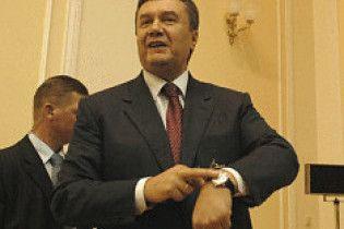 Янукович схиляється до виборів президента в січні