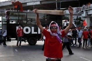 Прем'єр Таїланду готовий розпустити парламент, щоб не допустити перевороту