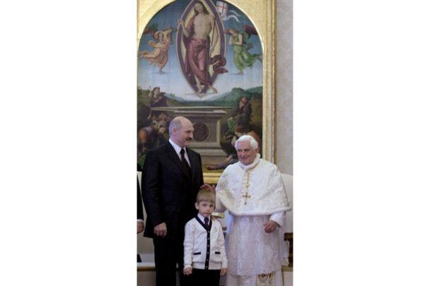 Лукашенко вперше за 14 років відвідав Європу