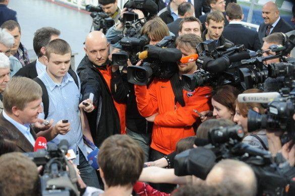 Рінат Ахметов відповідає на питання журналістів