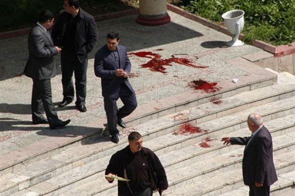 Стрілянина в нафтовій академії Баку