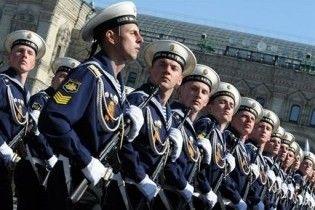 Тисяча російських солдат пройдуть маршем Україною на День Перемоги