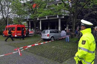 В Німеччині затримали українку, яка вчинила збройний напад на школу