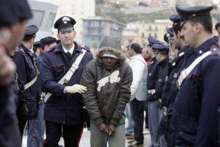Парламент Італії прирівняв мігрантів до злочинців