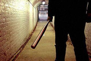 Голодний бомж на смерть забив чиновника бейсбольною биткою