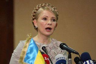 Тимошенко обіцяє не тягти українців до НАТО силоміць