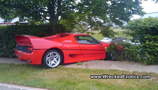 Американський спецагент розбив конфісковане Ferrari за півмільйона доларів