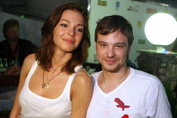 Олексій Чадов пробачив коханій зраду і повернувся до неї