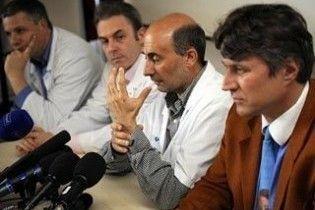 Француз, якому пересадили обличчя та руки, помер під час нової операції