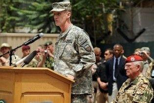 Екс-командувач силами НАТО в Афганістані йде на пенсію