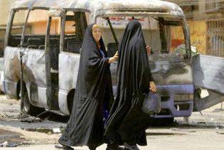 15 людей згоріли живцем в автобусі в Іраку. 26 постраждалих