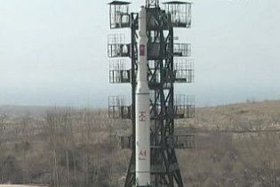 КНДР готується запустити ще дві ракети