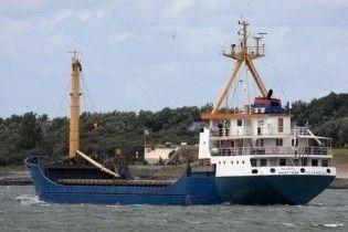 Звільнені з полону сомалійських піратів українці повернулися додому