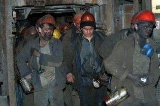 Макіївські гірники припинили підземний страйк і зробили попередження