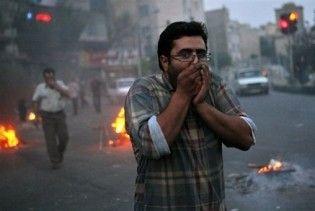 Безлади в Ірані тривають: демонстранти підпалили мечеть