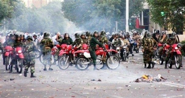 В Тегерані під час сутичок з поліцією загинули 20 людей