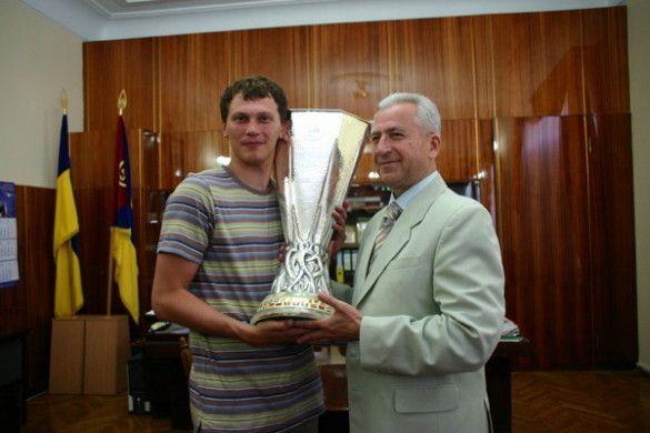 Пятов презентував Кубок УЄФА в Кіровограді