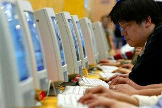 Китайського підлітка залікували від інтернет-залежності насмерть
