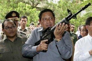 Президент Індонезії скасував візит до Нідерландів, побоявшись арешту