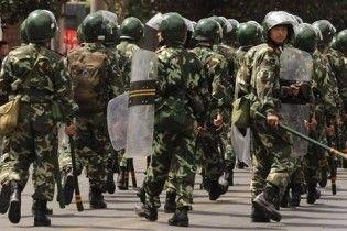 В Китаї поновилися безлади. На вулиці вийшли сотні уйгурів