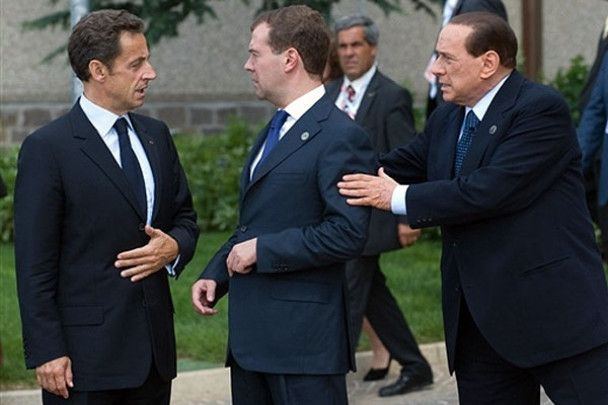 Після вечері лідерів G8 Мєдвєдєв ледве тримався на ногах