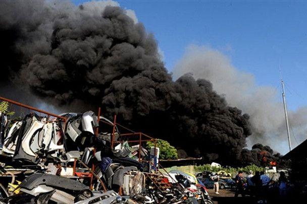 На складі у Римі згоріла тисяча автомобілів