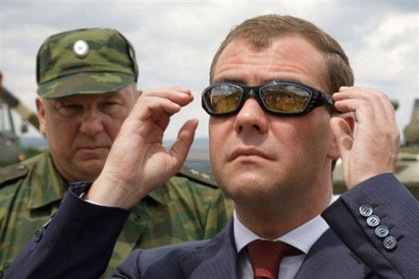 Снайперський постріл Дмитра Мєдвєдєва