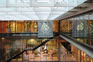 Варшавську фондову біржу виставили на продаж