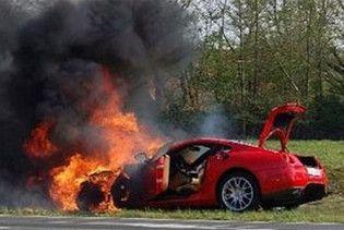 У Москві міліціонер згорів у вкраденому спорткарі