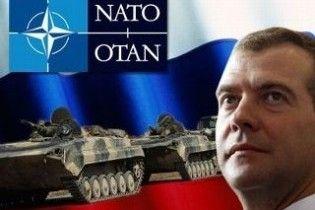 Росія дозволила НАТО перевозити бронетехніку через свою територію
