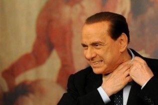 Новий скандал з Берлусконі: він займався сексом одразу з трьома повіями