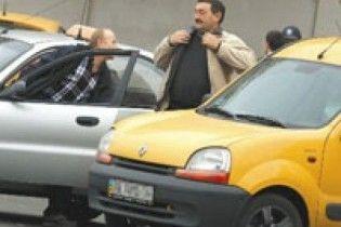 Феодосійський таксист намагався спалити конкурента живцем