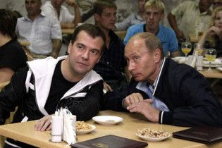 Мєдвєдєв впевнений у міцності його тандему з Путіним
