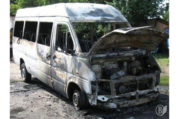 На Чернігівщині невідомі підпалили 9 маршруток