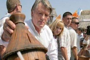 На День пасічника Ющенко відкриє Сорочинський ярмарок