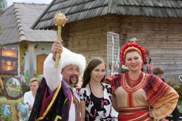 Яценюк і Литвин обрали по вишиванці