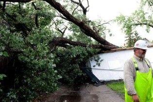 На північному сході США вирують торнадо і бурі