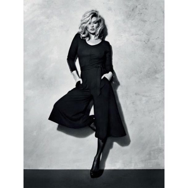 Кейт Мосс знялась у сексуальних сукнях і порваних колготках