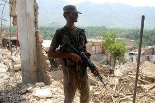 У Пакистані смертник підірвав блокпост: щонайменше 18 жертв