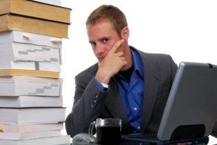Нацкомісія моралі шукає моралістів із власними ноутбуками