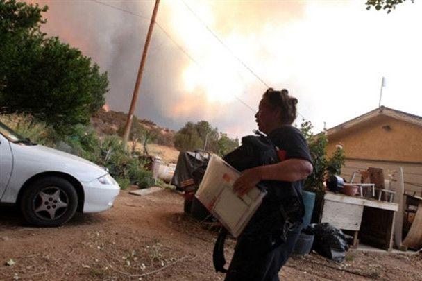 Через лісові пожежі в Каліфорнії евакують місцевих мешканців