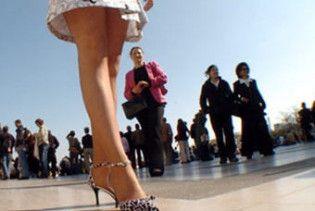 Казахським вчителям заборонили носити міні-спідниці