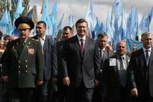 Янукович пообіцяв після виборів вирішити мовне питання