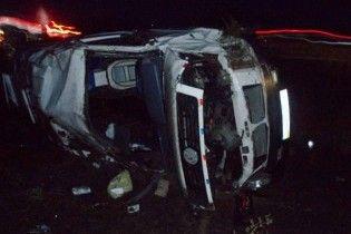 На Черкащині перекинувся автобус: 2 людей загинули, 8 поранені
