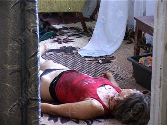 Вбивство матері на очах у дітей