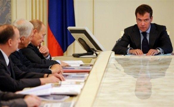 Мєдвєдєв на засіданні уряду