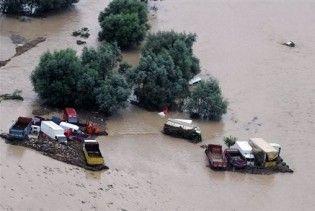 Повінь у Туреччині заблокувала три вантажівки з українцями