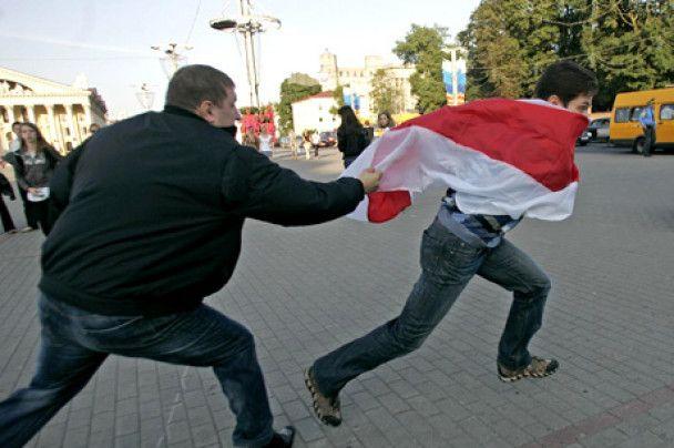"""У Мінську силою розігнали акцію протесту """"Ні - російській окупації"""""""