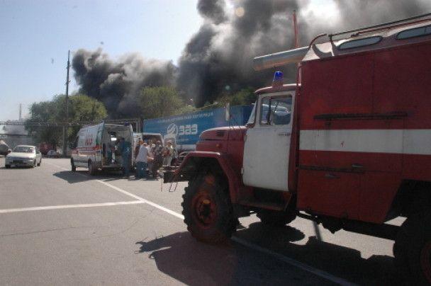 У Запоріжжі загорівся автозавод ЗАЗ (ФОТО)